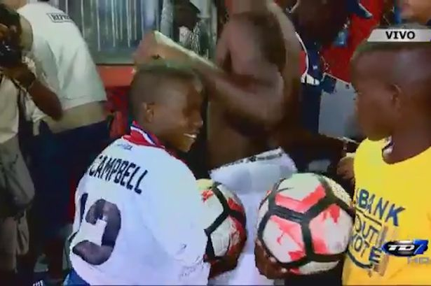 Arsenal's Joel Campbell makes little fan's day with heart-warming gesture following Costa Rica game